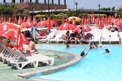 Algerian waterparks skyscrapercity for Club piscine prix thermopompe