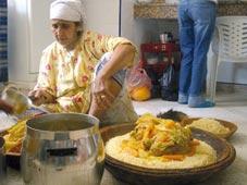 Le midi libre midi kabyle les arts culinaires l honneur for Salon kabyle